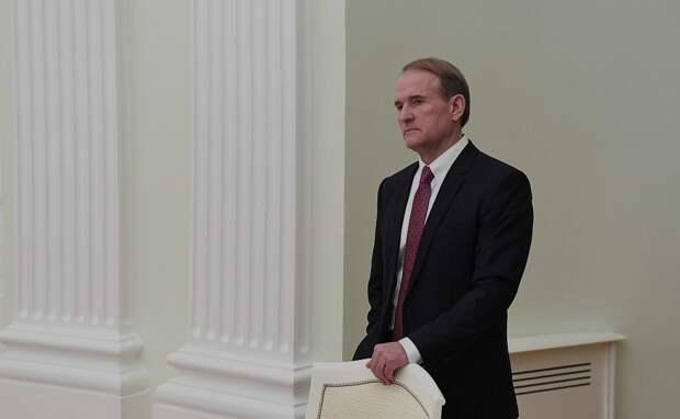 Несмотря на статус «кума Путина» Медведчука лишили имущества в Крыму