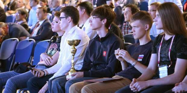 Собянин поздравил школьников Москвы с победой в Олимпиаде мегаполисов/mos.ru