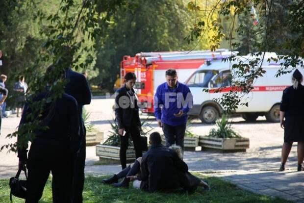 В соцсетях ищут подростков, пропавших после массового убийства в Керчи (ФОТО)