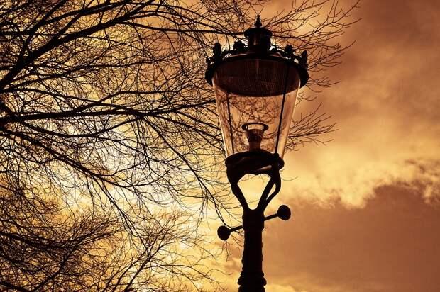 Уличное освещение восстановили во дворе на Алтушке