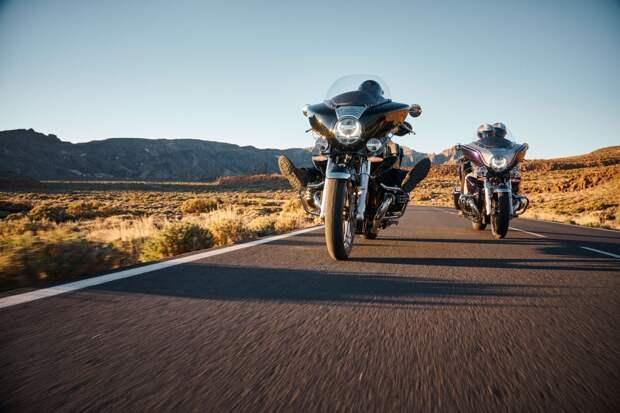 Новые BMW R 18 Transcontinental и BMW R 18 B: для роскошных путешествий и круизов по хайвеям.
