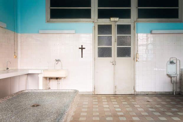 abandonedmorgue-59da2d1917a92__880
