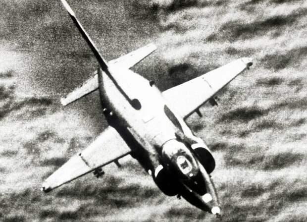 Авианесущие крейсера и Як-38: ретроспективный анализ и уроки