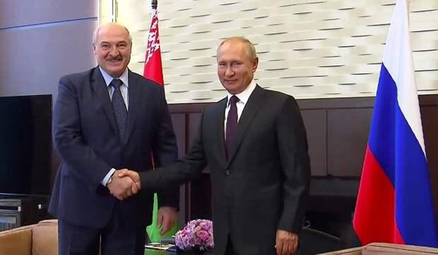 """Расчетливый Лукашенко взял Россию в """"заложники"""": Мы под большой угрозой"""