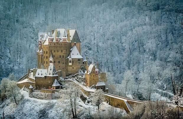 Замок Эльц: величественное сооружение, которое целых 800 лет принадлежит одной семье