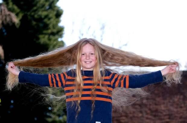 Зачем этот 12-летний мальчик отрастил такие длинные волосы