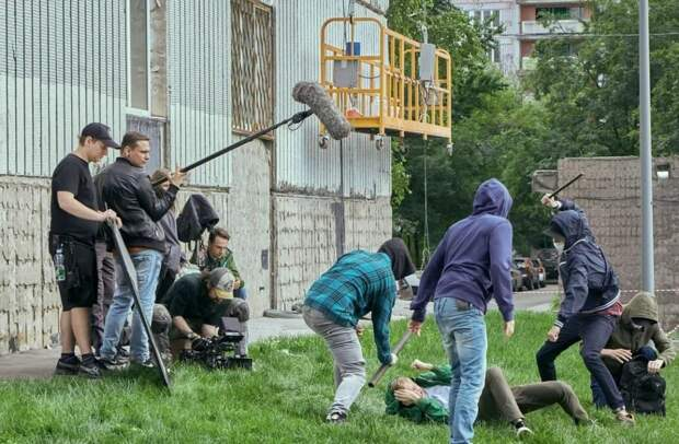 На телеэкраны 15 марта выйдет новый сериал «Аль-капотня»