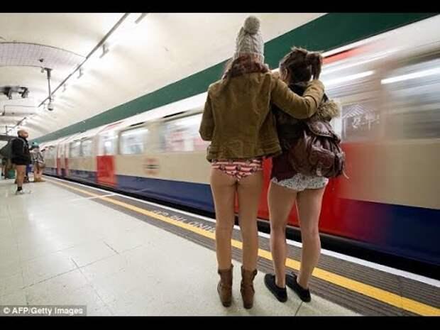 Смешные люди в метро - YouTube