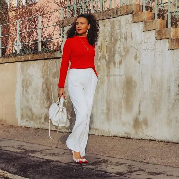 Как стильно носить красные вещи осенью: 20 практичных и эффектных образов