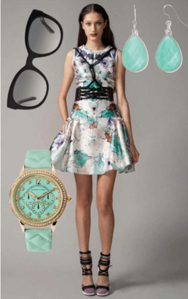 Портупея, мини-платье, босоножки, серьги, очки, часы