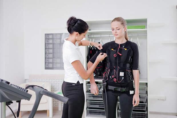 Электронный фитнес костюм и почему он эффективней обычных тренировок