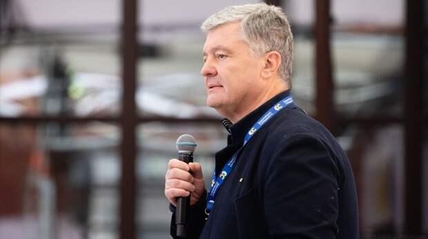 «Отобрать» Крым за год пообещал Порошенко