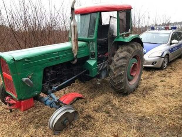 По полям, по полям: сумасшедшая погоня полицейских за… трактором