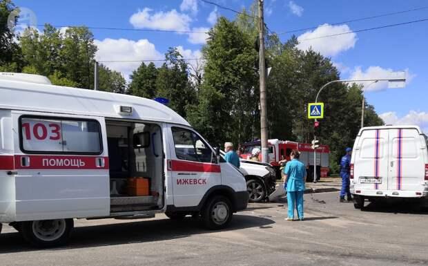 Двое мужчин и два подростка получили травмы в ДТП на Воткинском шоссе Ижевска