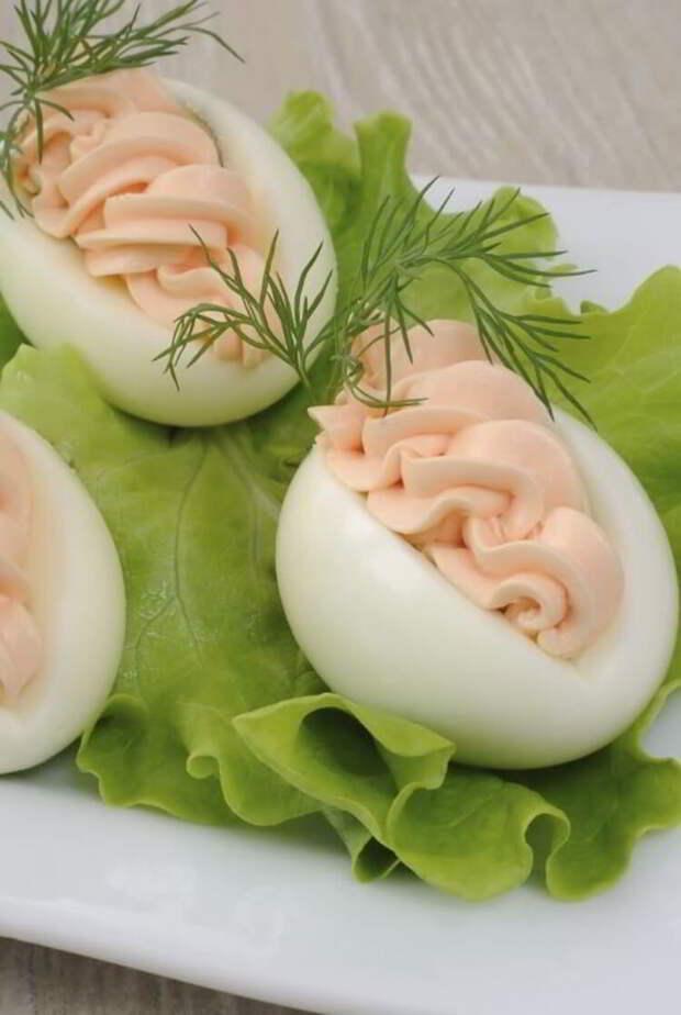 Фаршируем яйца, как профи: 5 вкусных начинок