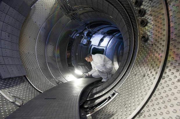 Россия первой в мире запускает термоядерный реактор