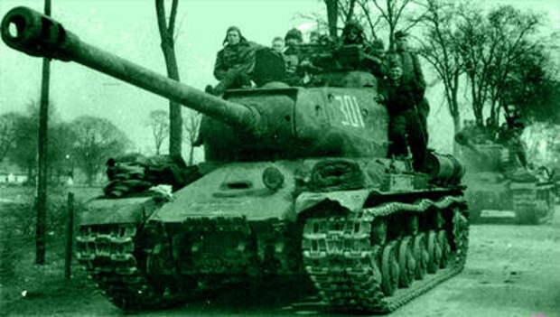 Автоматчики передвигались на броне, при встрече с противником они спешивались и вели бой в тесном взаимодействии с экипажем своего танка.