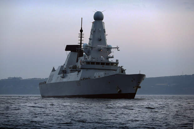 Британия опровергла бомбометание россиян по своему эсминцу