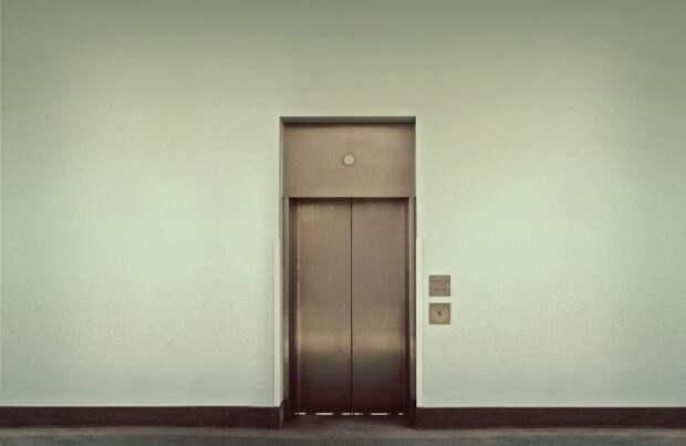 Лифт в доме на Большой Академической начал перевозить пассажиров