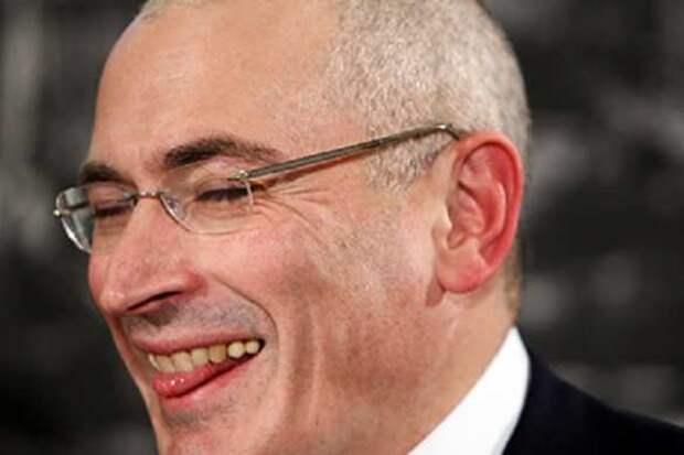 Беглый олигарх Ходорковский позаботился о зарплатах россиян