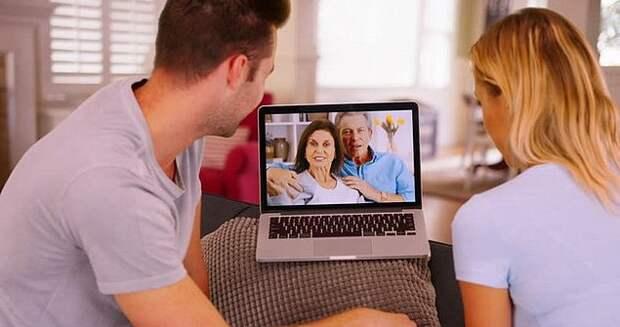 Когда сегодня ваши родители звонят по Skype, они наверняка разговаривают ОЧЕНЬ громко...