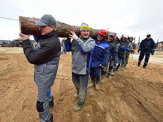 Лукашенко разрешил «колоть дрова» без регистрации