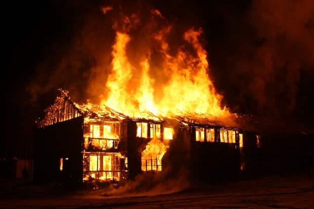 После гибели женщины в пожаре в Сарапульском районе проводится доследственная проверка