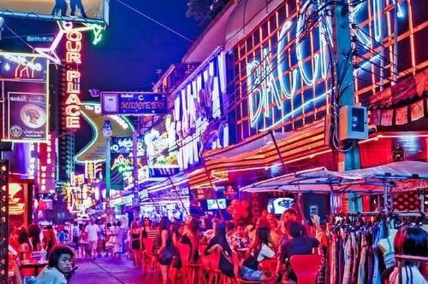 Восемь лучших кварталов «красных фонарей» мира