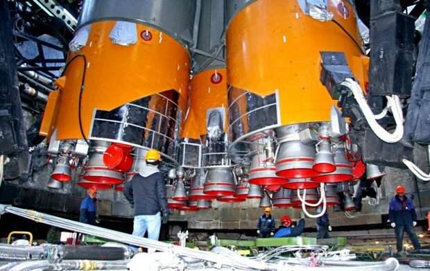 В России предложили схему полета космонавтов на Луну без сверхтяжелых ракет