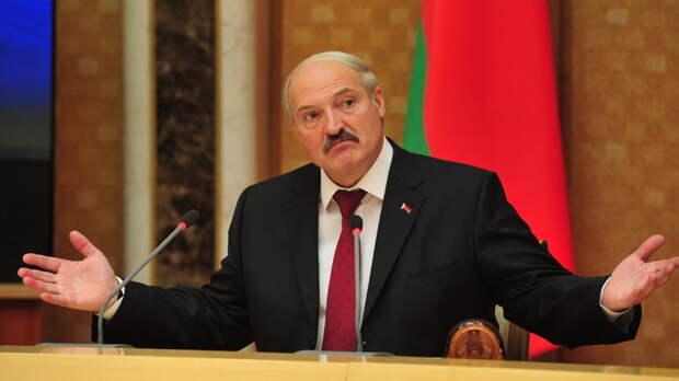 Президент Белоруссии может пойти в лес за грибами и не вернуться: Политолог из США заявил о захвате Путиным Белоруссии