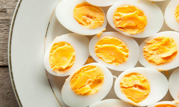 Желток и белок: что из них вреднее