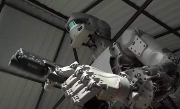 Замена «живой силы»: боевые роботы