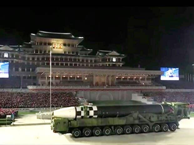 Аналитики впечатлены продемонстрированным в Пхеньяне вооружением