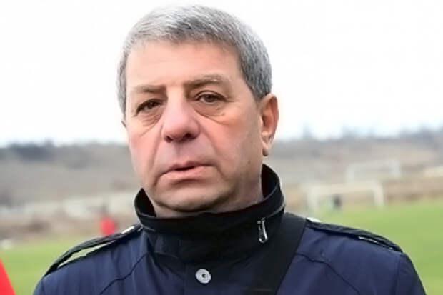 Кадрами в клубе «Таврия» заведовал еще один известный «башмак» Рувим Аронов (Рома)