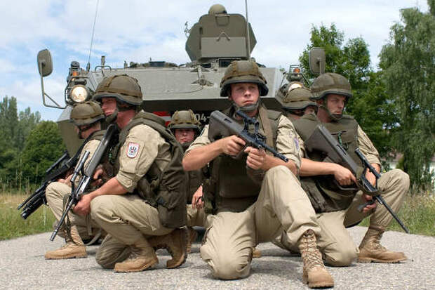 Подразделения НАТО в Эстонии выдвинулись к границе с Россией