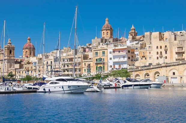 Мальта раскрыла имена россиян с «золотыми паспортами»