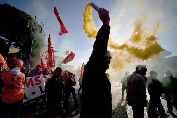 Итальянские транспортники провели 24-часовую забастовку