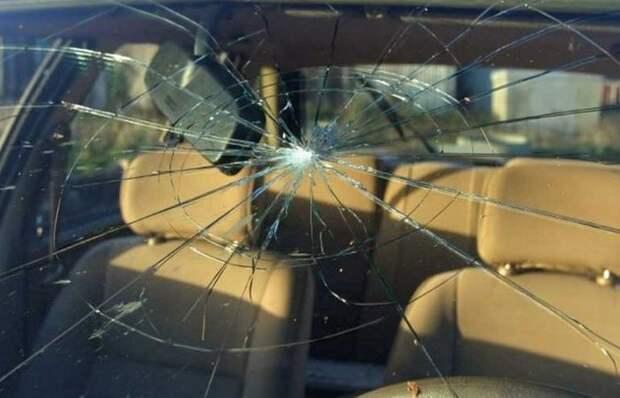 Правда ли, что дальнобойщики могут бросать болты во встречные машины
