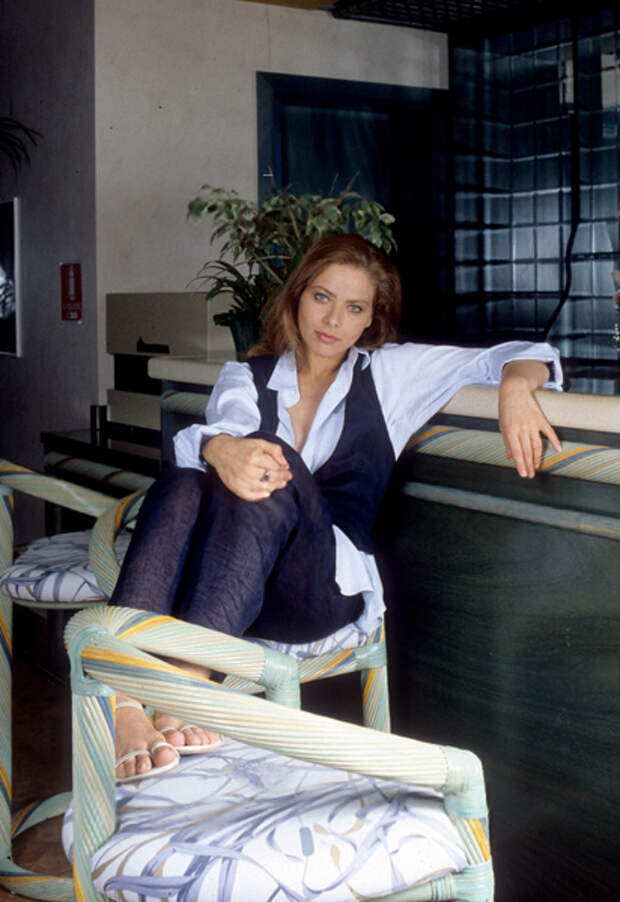 """Орнелла Мути на съемках фильма """"Экстаз"""". 1993 год"""