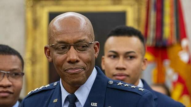 В США глава штаба ВВС уговаривает власти готовиться к войне с РФ и Китаем