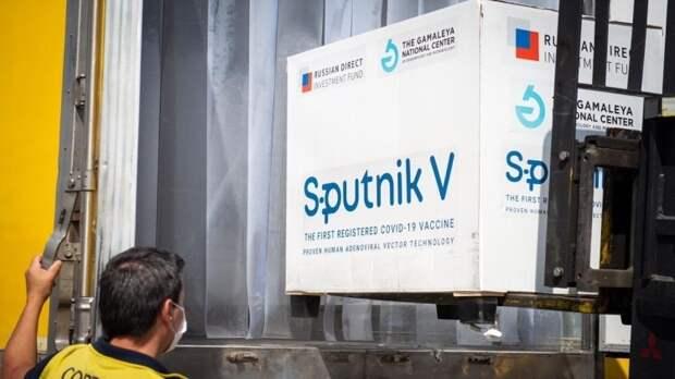 """Сотрудничество с Россией по """"Спутнику V"""" может спасти Индию от коронавируса"""