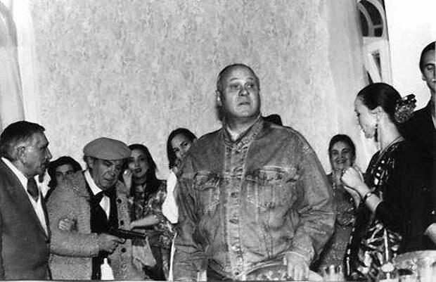 """Владимир Меньшов на съёмках """"Ширли-Мырли"""". 1994 - 1995 годы"""