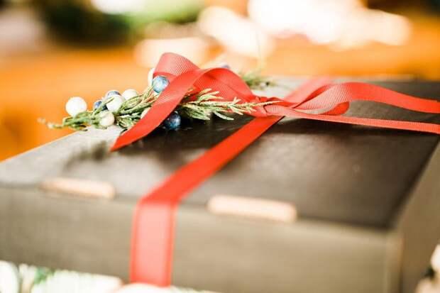 Что подарить учителю наНовый год: хорошие иплохие подарки