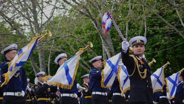 В городах России из-за коронавируса отменили парады в честь 75-летия Победы