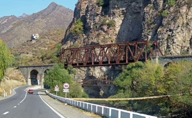 Азербайджан иАрмения сойдутся коридорами: Ереван получит выход наМоскву