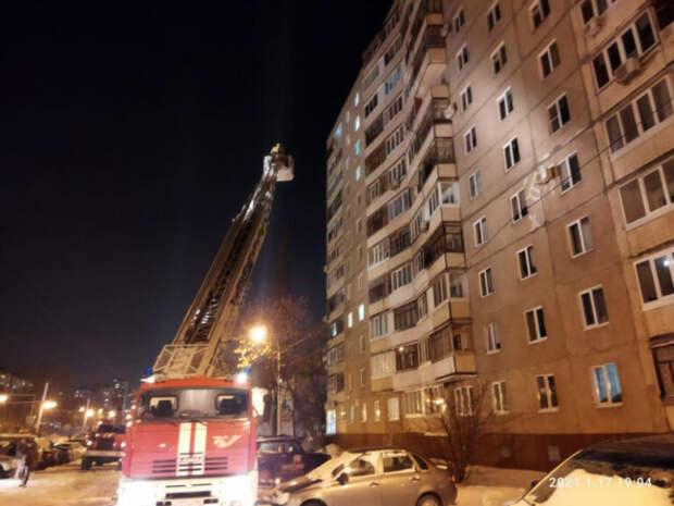 В Башкирии при пожаре в многоэтажке погибли две женщины