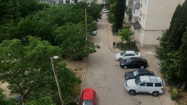 На внутридворовых территориях шести улиц Севастополя проведут ремонт
