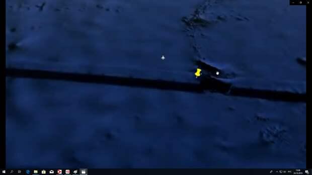 Вот уже знакомый вам участок, который я увеличивал и подсветлял. Так выглядит он с чуть большего расстояния. Типичный вид Стены.