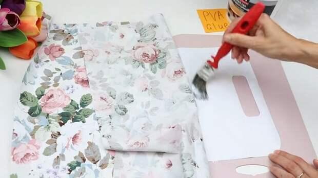 Девушка взяла бумагу для принтера и сделала сумку. Результат превзошёл все ожидания