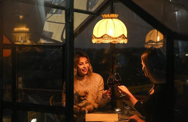 В Москве посидеть в ресторане и баре ночью можно будет только вакцинированным